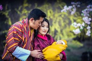Bhutanin kuningas Jigme Khesar Namgyel Wangchuckin ja kuningatar Jetsun Peman vauva, prinssi, kuninkaalliset, Hovikrirjeenvaihtaja
