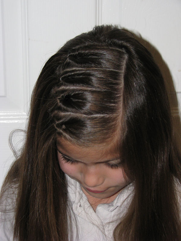 Tons of cute hairstyles, easy enough even for me who can barely french braid and