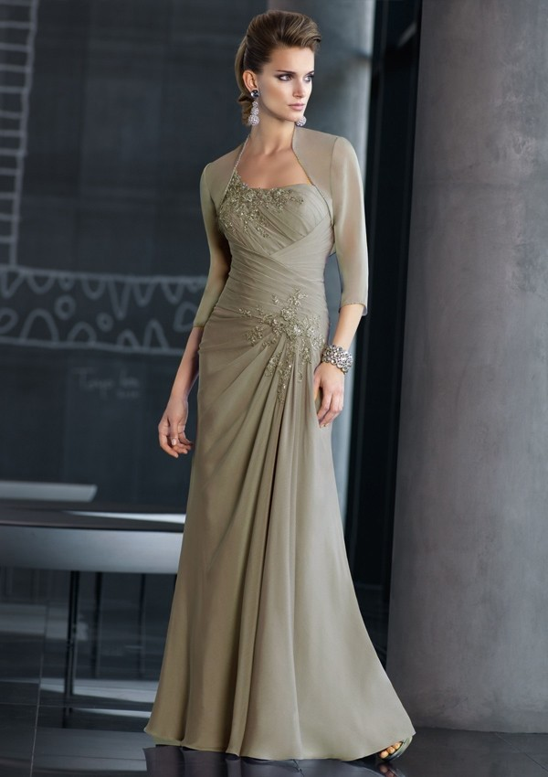 Beautiful mother of the groom dress!