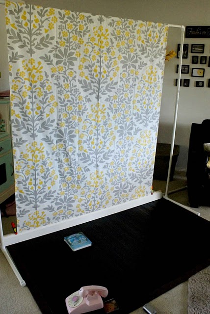 Make your own back drop stand