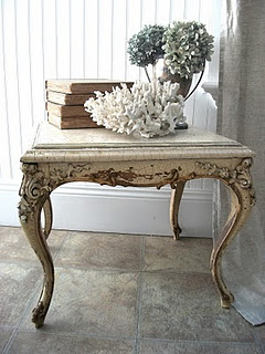 adore the table