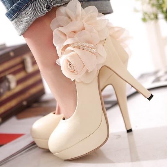 Big flower lady waterproof a joker cream-colored shoes