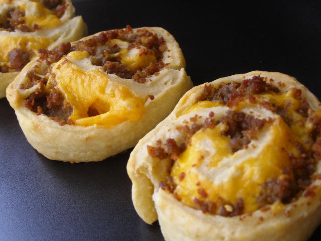 Made these this morning, they were a HIT! sausage pinwheels. super easy…cresce