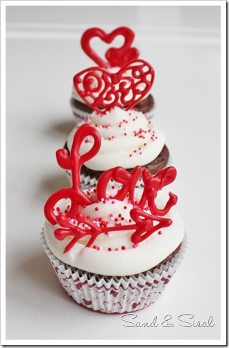 So Cute – Valentine's Day Cake Topers