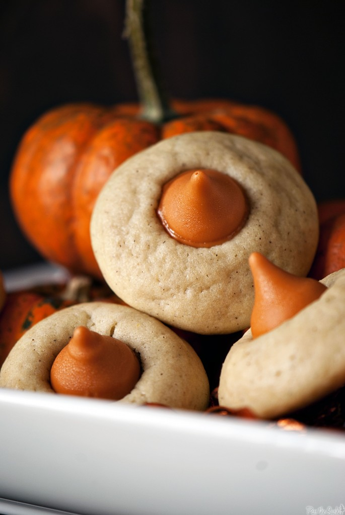 UHM WHY HAVE I NEVER HEARD OF PUMPKIN KISSESSS???? A MUST for next fall!!! Chai