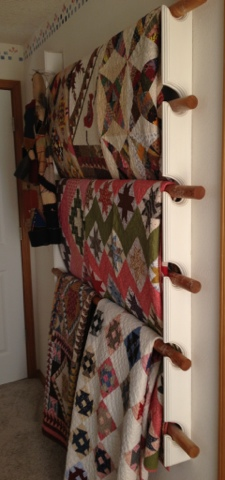 Clever way to display quilts