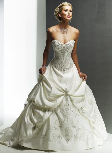 Gorgeous Sweetheart Ball Gown Chapel Train bridal gowns,wedding dresses