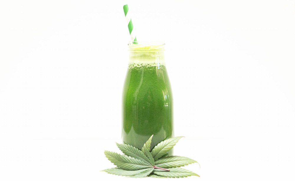 Green Juice with Marijuana Leaves Recipe
