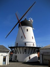 There are about a dozen windmills in Bornholm dating from the 19th century.