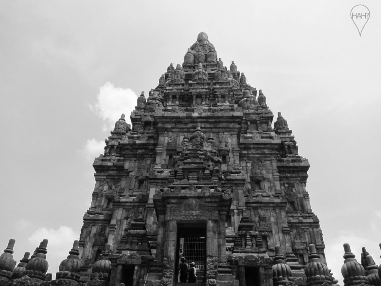 Aside from the 16 temples in Prambanan's inner square, there are over 200 temples within its boundaries.