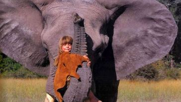 This Little Girl Lived Among Wild Animals in Africa for 10 Years: These Photos Will Take Your Breath Away