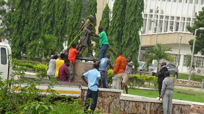 'Racist' Mahatma Gandhi's Statue Removed From University Of Ghana