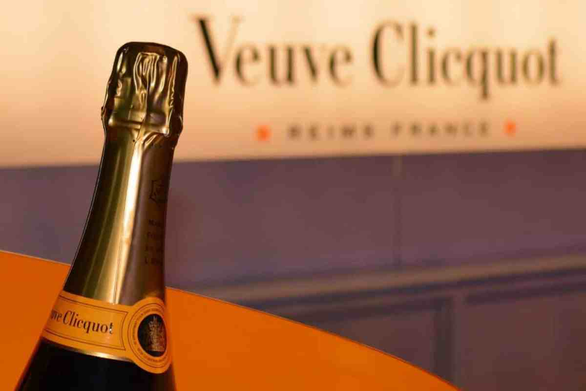 Veuve clicquot champagne bottle and logo