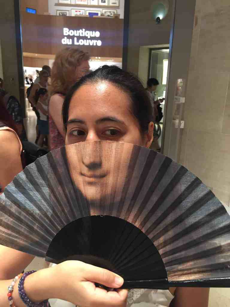 Paris - Mona Lisa fan
