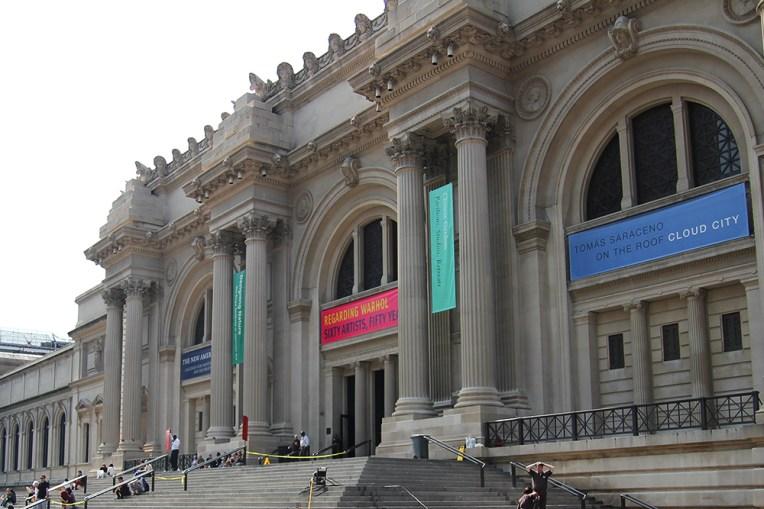 Budynek The Metropolitan Museum of Art w Nowym Jorku