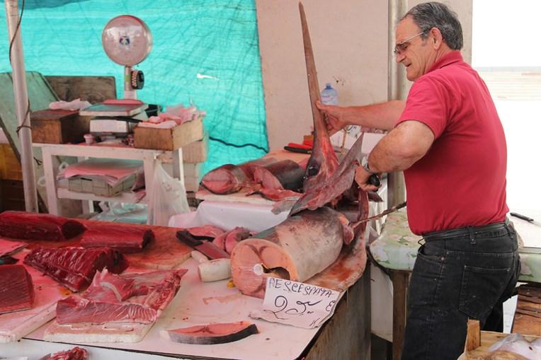 Targ rybny w Trapani - marlin, czyli jeden z tutejszych przysmaków