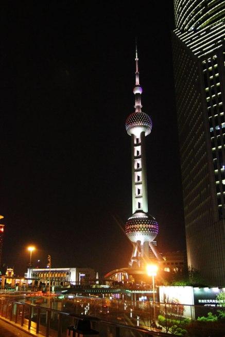 Oriental Pearl Tower nocą