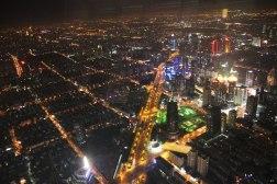 Światła miasta po horyzont