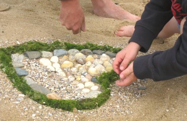 beach art activité à la plage avec ses enfants