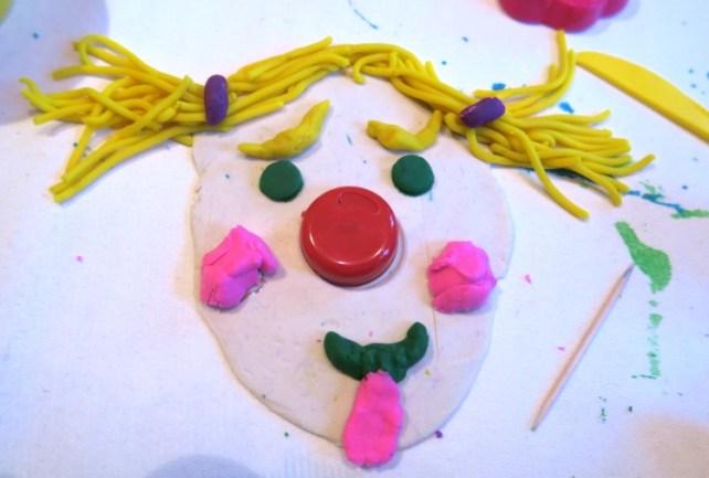 bonhomme émotions le clown en pâte à modeler