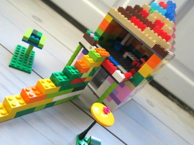 Légo construction libre enfant créativité