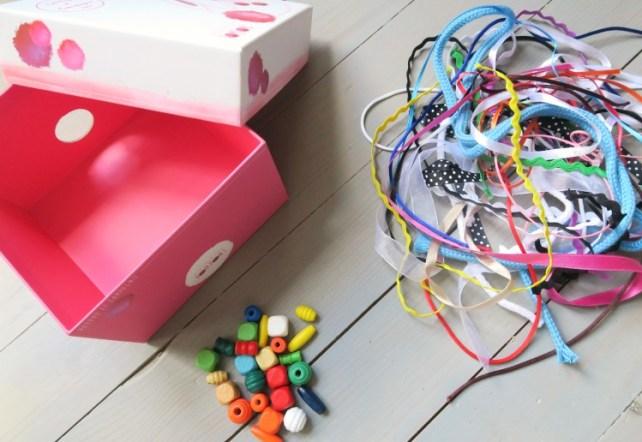 matériel pour fabriquer une boite à fils pour bébé