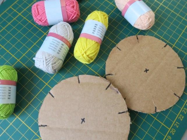 comment fabriquer des bracelets en fil de coton facilement avec carton