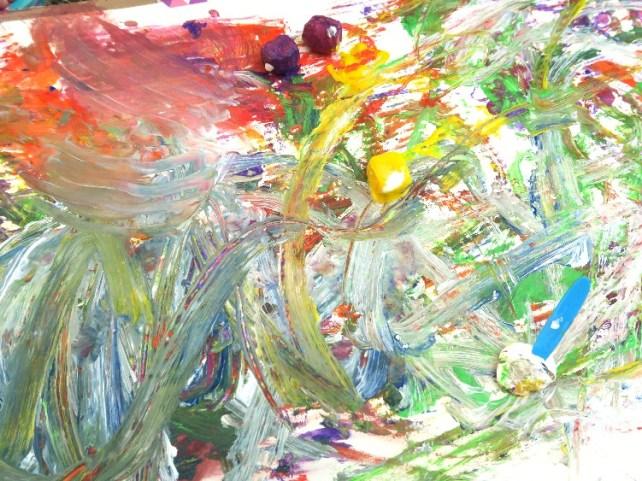 expérience artistique avec bébé peinture avec glaçons