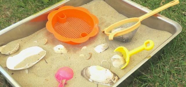 plateau bac sensoriel thème été plage sable et coquillage
