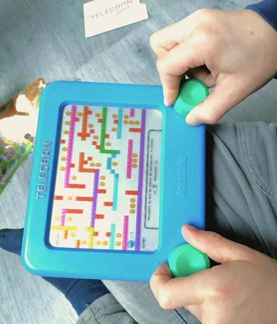 télécran games idée cadeau enfant sans écran coordination bimanuelle
