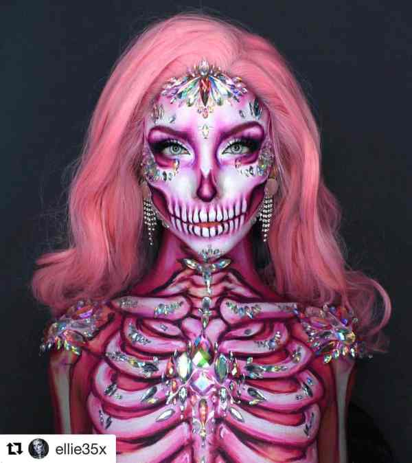 Halloween makeup looks 1018201925 - 90+ the Best Halloween Makeup Looks to Copy This Year