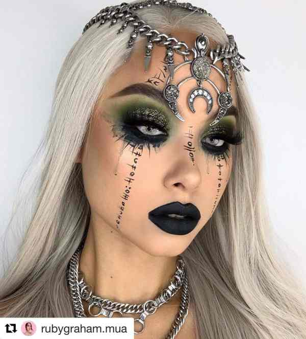Halloween makeup looks 1018201999 - 90+ the Best Halloween Makeup Looks to Copy This Year
