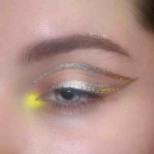 Glitter Eye Makeup 2019122401 - 60+ Attractive and Beautiful Glitter Eye Makeup