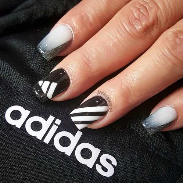 nails art 2020010506 - 60+ Nails Art That Is Super Trendy Right Now