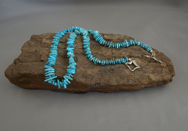 Graduated US Turquoise and galvanized silver seed beads necklace 18.5 in.