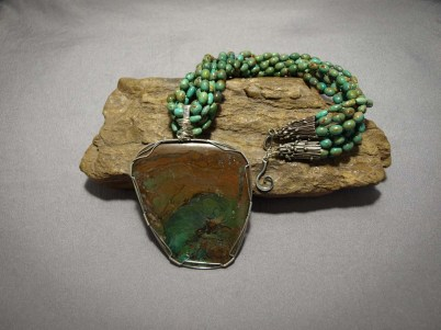 5 Strand Necklace Green Turquoise & Turquoise pendent