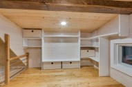 Second loft with spot for flat screen