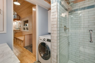 Washer/dryer and shower