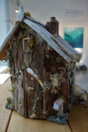 Art in the Little River gallery - a cute little house made from natural materials