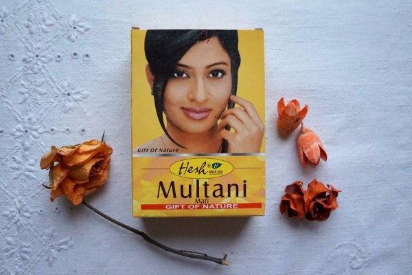 An Indian facial spa, the yellow clay Multani Mati