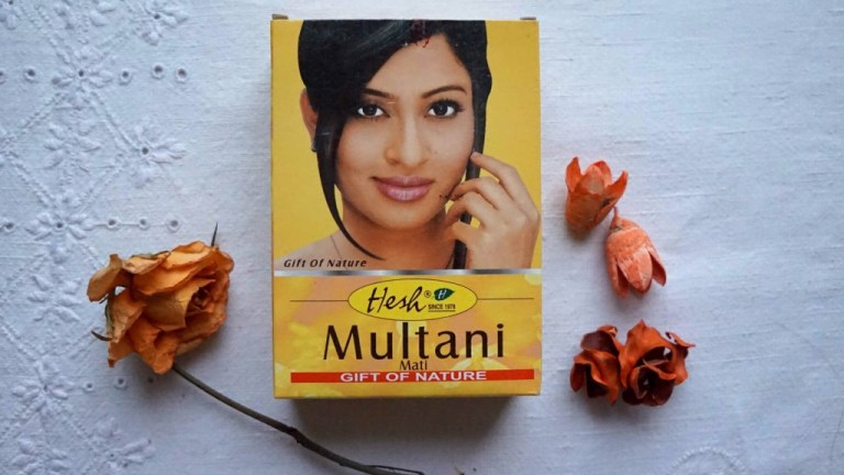 An Indian facial spa, the yellow clay Multani Mati