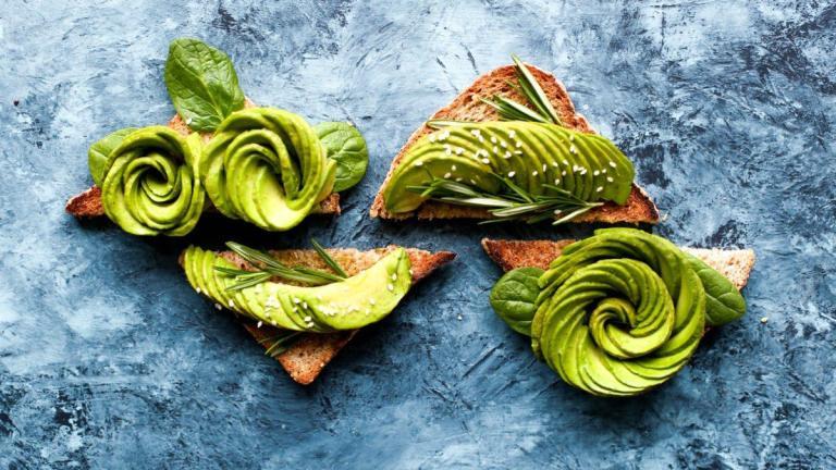 Avocado paste, a healthy alternative to margarine