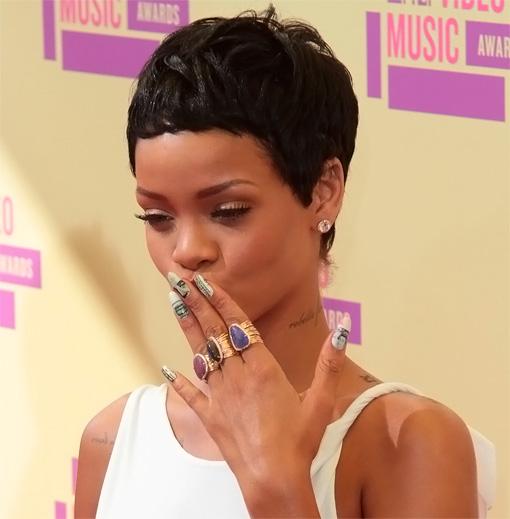Rihanna minx nails