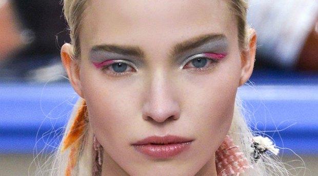 Eyeshadows with metallic effect