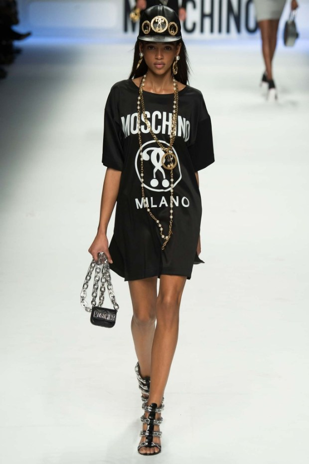 23MoschinoFallWinter20152016Collection