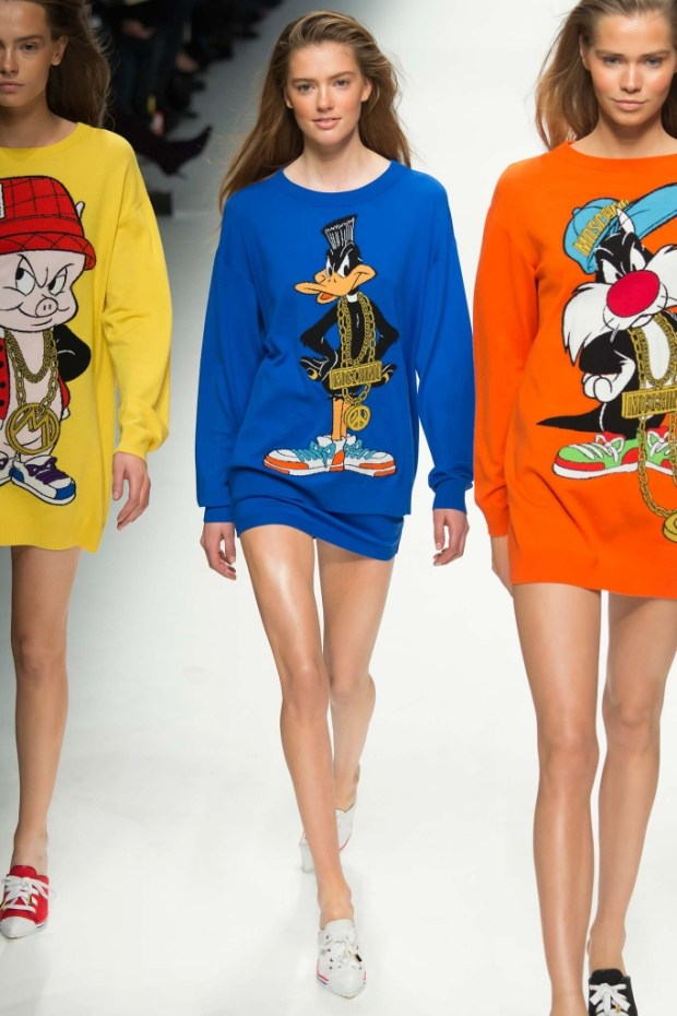 3 Moschino Fall Winter 2016 2017 Collection