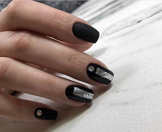 Short nails 2019 black matte