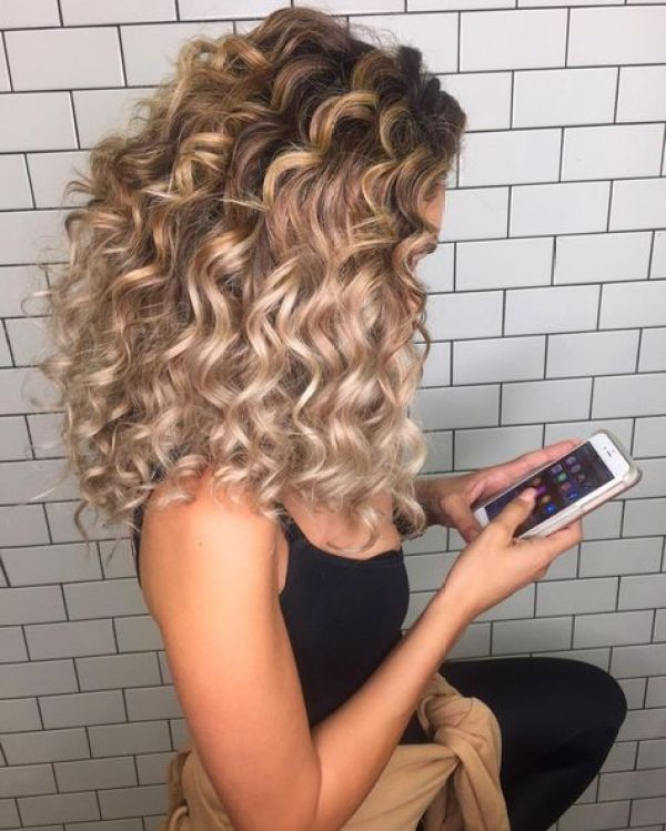 Long hair haircuts for curly hair