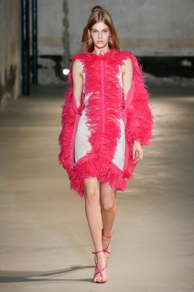Fashion dresses with feathers 2020