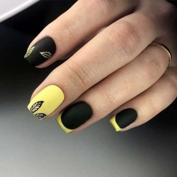 French manicure 2020